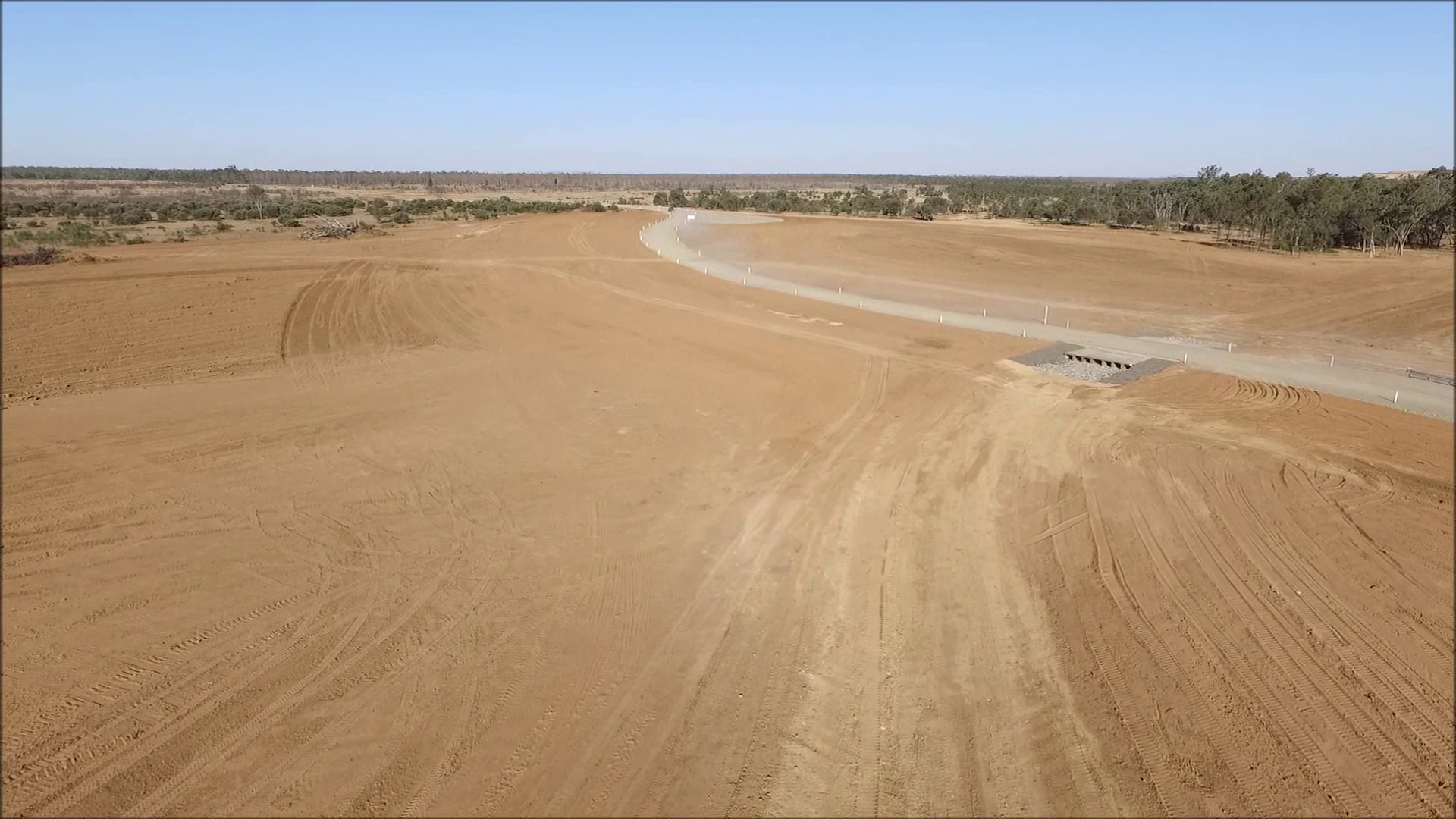 Foxleigh Mine - Cockatoo Creek Diversion Levee Pavement Construction