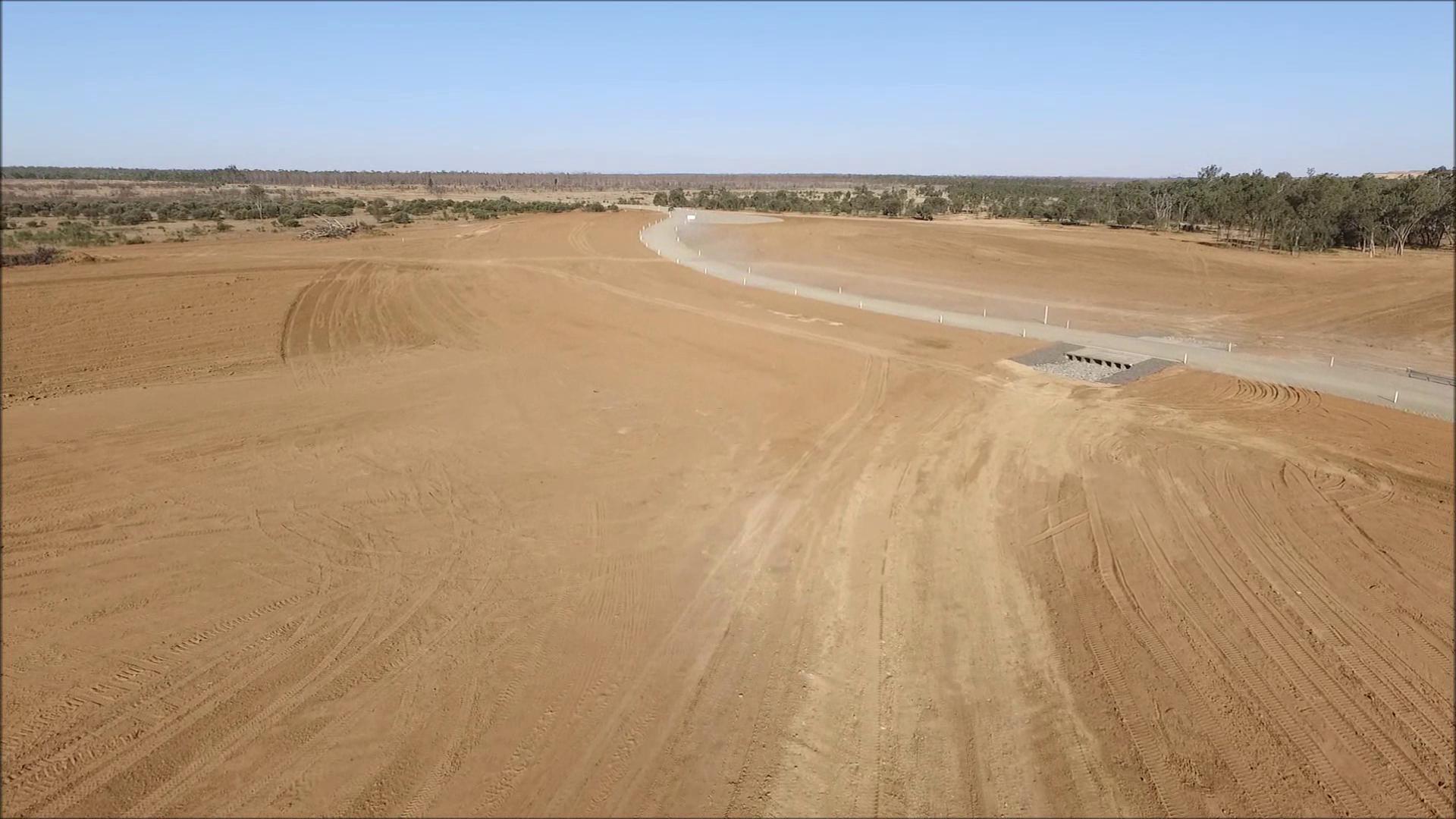 Foxleigh Mine - Cockatoo Creek Diversion Levee Pavement Construction