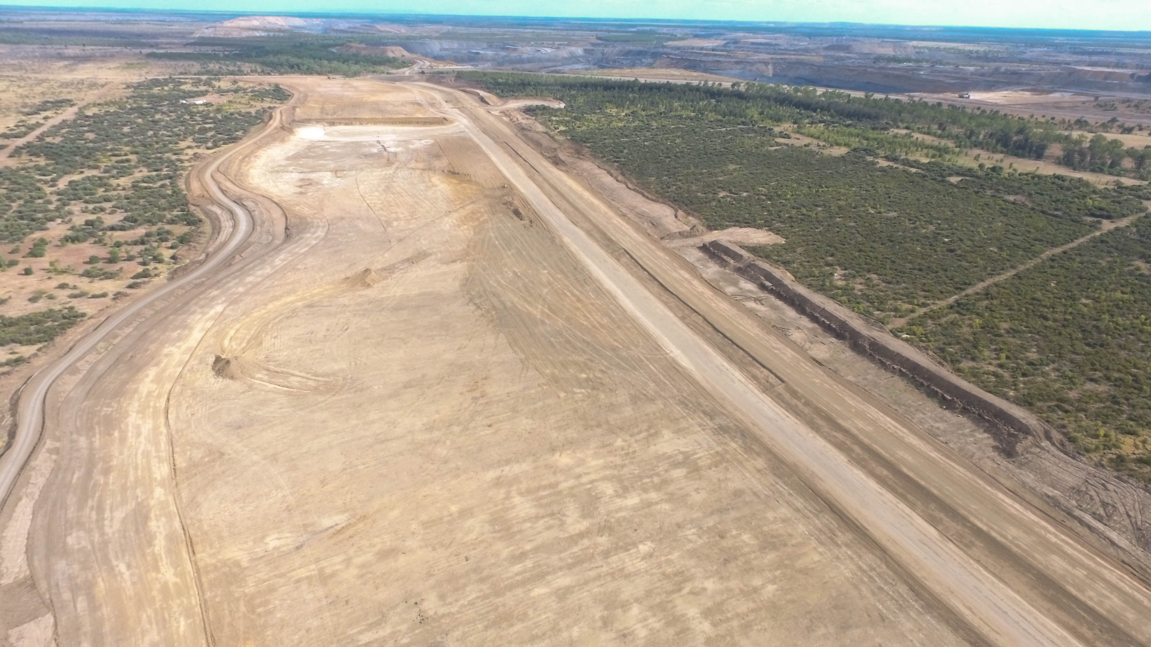 Foxleigh Mine - Cockatoo Creek Diversion Levee Construction