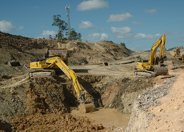 Dewatering of old quarry - Load out soil waste & transport to landfill area